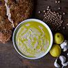 selber zubereitet: Hummus aus kichererbsen und Sesammus