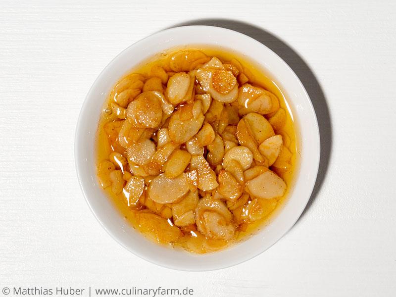 in Butter geröstete Mandelblätchen