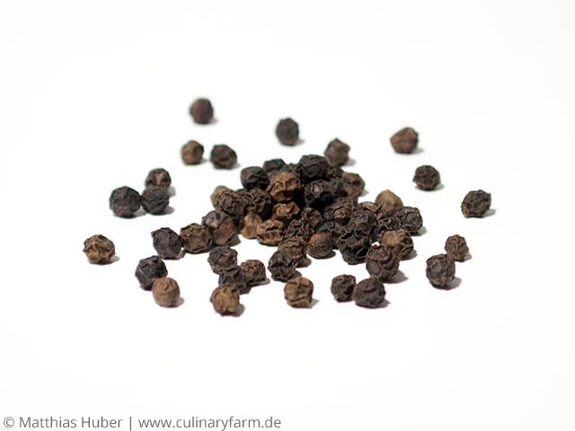 Pfeffer, schwarz
