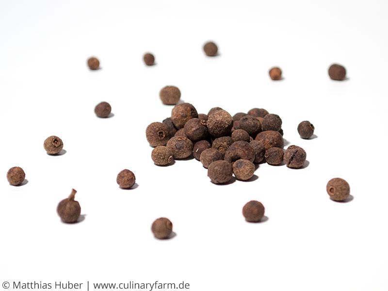 Pimentkörner (Pimenta dioica)