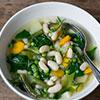 Leichte Bohnensuppe mit Cannellini-Bohnen