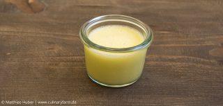 Beurre monté - die Emulsion von Fett, Eiweiß und Wasser bleibt erhalten