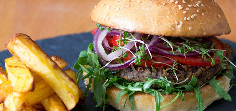 Black Bean Burger mit selbstgebackenen Light Brioche Burger Buns – vegetarisch