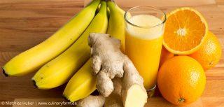 Smoothie mit Orangen, Bananen und Ingwer