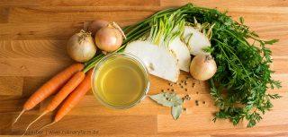 Schnell selbstgemacht und ohne Zusatzstoffe: Gemüsefond