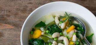 Gemüsesuppe für heiße Tage